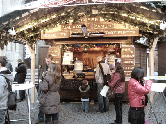 barraquinha do Marché de Noël na Place Saint François :)