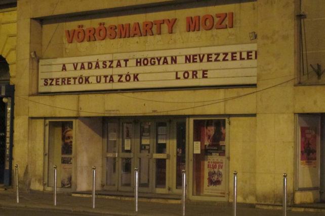 """Minha palavra preferida em húngaro: """"mozi"""" (cinema) :)"""