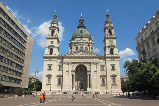 A basílica ;)