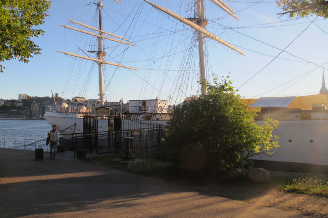 O barco durante o dia :)