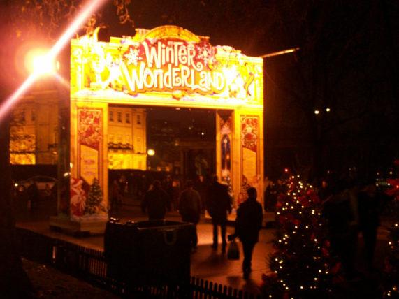 Um dos parques de Natal mais legais em linha reta do mundo