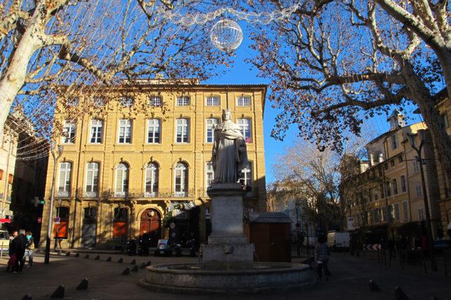 Uma das pontas da Cours Mirabeau